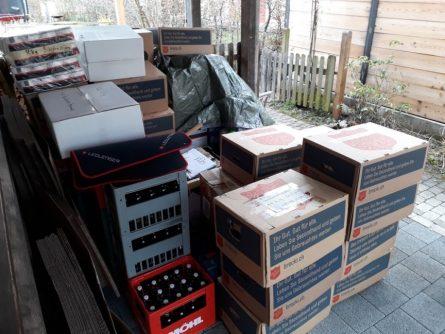 20 Boxen sind bereit für den Flug