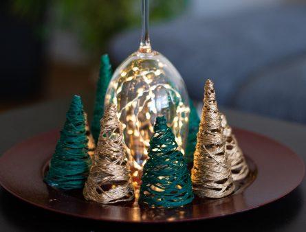 Dekorative Weihnachtsbäumchen DIY aus Wolle
